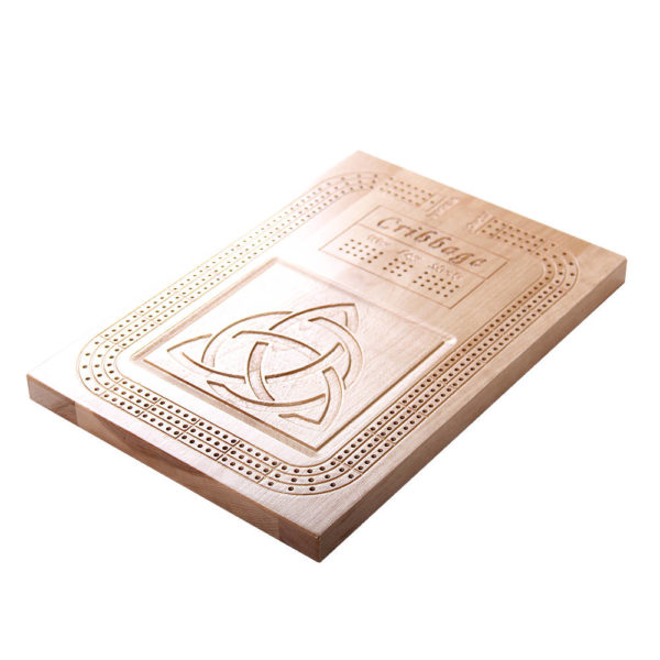 Cribbage board with Trinity Celtic Knot design.