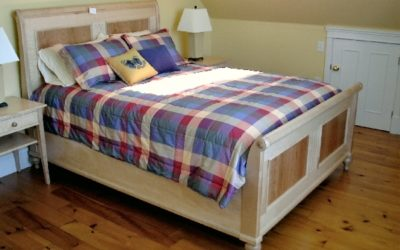 Tiger Maple Sleigh Bed